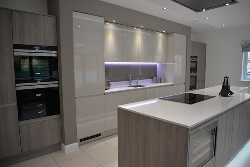 High Gloss Kitchens Why And Not, Are High Gloss Kitchen Cabinets Expensive